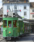 Hundert Jahre Tram nach St.Jakob. Motorwagen Be 2/2 Nr.190 und ein Sommerwagen auf der Linie 22 an der Haltestelle Barfüsserplatz, 2016