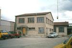 Eines der Bürogebäude der Rheinischen Kohlenumschlags AG beim Klybeck-Hafen, 2001