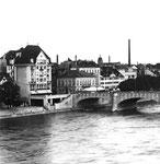 Die Mittlere Brücke mit dem Cafe Spitz und dem Modehaus WOHL (links), 1960