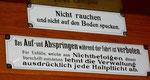 Schilder im Trammotorwagen Be 2/2 Nr.163