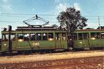 Der Tramzug mit Be 2/2 Nr. 181 auf einem Abstellgeleise beim Depot Dreispitz, 1972