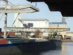 Der heute (November 2020) älteste Kran des Hafenbeckens 1 ist der Kran der ehemaligen Schweizerischen Reederei, dann SRN, heute Rhenus