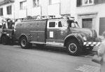 Ein Feuerwehrauto am Spalentorgraben, 1972
