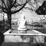 Das Hafenbecken 1 mit dem Gelpke-Brunnen, 1974