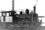 Eine der zwei Rheinhafen-Dampflokomotiven der Schweizerischen Reederei an einem Wochenende im Jahre 1972