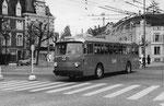 Der Trolleybus Nr.356 auf der Linie 43 beim Wettsteinplatz, 1969