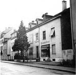Häuserreihe im oberen Bläsiring im Jahre 1960 (rechts die Bäckerei der Familien Aebi und später Holzgang)