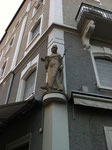Heiliger Antonius, diese Figur wurde 2009 am Voltaplatz zum Haus des Cafe Florida versetzt, 2014