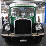 Der Oldtimer-Bus Nr.2 der BVB in der Rundhofhalle der MUBA im Jahre 2016. Eine Sehenswürdigkeit....