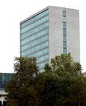 Das architektonisch schöne 1960 erbaute Roche-Hochhaus von Archtekt Roland Rohn, 1961