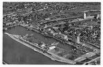 Ansichtskarte Basel. Rheinhafen Kl.Hüningen (Luftphoto Aviatik beider Basel -Verlag Gebr.Frey Basel)