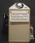 Ein Telefonapparat in den beliebeten und viel gebrauchten Telefonkabinen