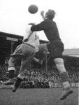 Der FCB-Torhüter Paul Wechlin im Spiel FC Basel - Grenchen im Stadion Landhof 1944