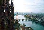 Blick vom Basler Münster auf den Rhein, aufs Kleinbasel und auf dem St.Johann-Hafen, 1982