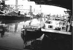 Rheinhafen Basel, interessanter Blick in das Hafenbecken 1 im Jahre 1977