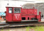 Diesellok Tm2/2 Nr.1 der SATRAM auf der Verschiebebühne im Hafenbecken 1, neben den Hafenanlagen der NEPTUN, 2002