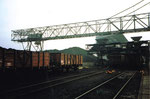 Der grosse Lauf-Kran der Kohlenversorgungs AG im Hafenbecken 2 an der Grenzstrasse, 1986