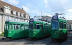 Die Trammotorwagen Be 4/4 Nr.473 und Nr.469 und der Anhängewagen B4 Nr.1455 vor dem Depot Dreispitz, September 2016