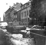 Häuserreihe im oberen Bläsiring mit den Häusern der Familien Grieder, Walz, Baumgartner und Kern (von rechts nach links) im Winter 1960