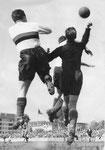Der FCB-Torhüter Paul Wechlin während eines Spiels im Stadion Landhof im Jahre 1945