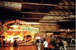 """Die Herbstmesse mit der schnellen Bahn """"SnowDream"""" in der Kongresshalle 8 (Basler Halle), 1978"""