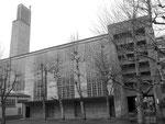 Hintere Seite der Antoniuskirche, Erbaut 1925-1927 von der Baufirma G.Doppler in schalungsrohem Sichtbeton, 1974
