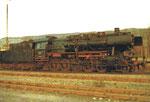 Eine Güterzug-Dampflokomotive der BR 50 im Bahnbetriebswerk Haltingen, 1970