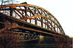 Die DB-Wiesenbrücke mit den Fernverkehrsgleisen Schweiz-Deutschland, 1985