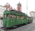 Hundert Jahre Tram nach St.Jakob. Motorwagen Be 2/2 Nr.190 und ein Sommerwagen auf der Linie 22 an der Haltestelle Marktplatz, 2016