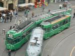 Be 4/4 Nr.600 und Be 4/6 Nr. 678 auf der Linie 16 durchqueren im Mai 2017 den Barfüsserplatz
