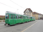 DÜWAG-Trammotorwagen Be 4/6 Nr.644 und vorne die Nr.639 auf der Linie 1/14, Mittlere Brücke im Juli 2015. Dank einem positiven Ausgang in einer Volksabstimmung wurden die DÜWAG-Trammotorwagen angeschafft!