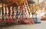 Die «Käfigschaukel« mit dem Namen «Looping« auf der Rosentalanlage 1982