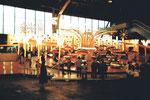 Die schöne und schnelle Bahn «Calypso» während der Herbstmesse in Basel in der Halle 6, 1984