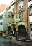 Die EPA und das Haus der Papeterie Courvoisier an der Hutgasse 1995, kurz vor dem Abbruch