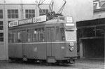 Der Trammotorwagen Be 4/4 Nr. 408 vor der BVB-Werkstätte Klybeck, 1970