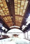 Der Bad.Bahnhof, die grossen Bahnhofshallen - Innenbereich 1982 (leider wurden diese grossen Hallen sinnlos abgerissen und durch hässliche Bahnsteige ersetzt)