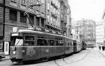 Trammotorwagen Be 4/6 DÜWAG Nr. 607 auf der Linie 6 an der Haltestelle Schifflände, 1969. Die DÜWAG waren beim Personal und den Fahrgästen sehr beliebt.