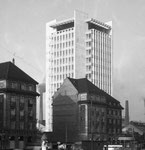 Das 53 Meter hohe Geigy-Hochhaus. Erbaut 1957/58 durch Burckhardt-Archtekten und dem Baugeschaft Wenk, Foto 1958