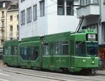 Der Gelenk-Trammotorwagen Be 4/6 Nr.676 an der Spiegelgasse, Endstation der Linie 16 im Jahre 2016