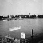 Der alte Landungssteg im Rheinhafen (Westquaistrasse) der Basler Personenschifffahrts Gesellschaft im Jahre 1960