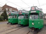 Das altbekannte «Gesicht» der erfolgreichen und beliebten DÜWAG-Trammotorwagen Nr.637, 651 und 653 vor dem Depot Dreisptz , Oktober 2025
