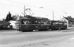 Trammotorwagen Be 4/4 Nr. 442 auf der Linie 3 die Haltestelle Breite verlassend Februar, 1969