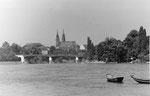 Blick vom St.Alban-Rheinweg auf die Wettsteinbrücke und gegen das Münster, 1970