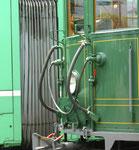 Detailaufnahme des Trammotorwagens Be 2/2 Nr.215, im Hintergrund ein Combino, 2016