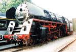 Die formschöne und elegante REKO-Dampflokomotive der DDR BR 01 0509-8 während eines Besuches beim Wolf-Güterbahnhof Basel, 1979