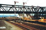 Diverse Flügelsignale am Bahnhof Weil am Rhein 1982