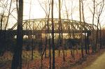 Blick gegen die, trotz ihrer Passivität, schönen DB-Wiesenbrücken 1985
