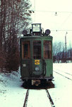 Frontansicht des Trammotorwagens Be 2/2 Nr.161 in der Abstellanlage beim Eglisee im Winter 1972