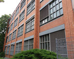 Eines mit schönem rotem Backstein Ende der 40er-Jahre 40er-Jahren erbaute Fabrikationsgebäude der CIBA an der Mauerstrasse, 2018