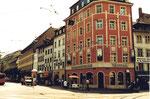 Das Eckhaus Claraplatz/Rebgasse (Volksbank) mit Blick in die Rebgasse, 1980